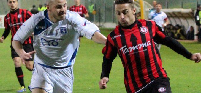 Foggia, Floriano rinnova fino al 2019