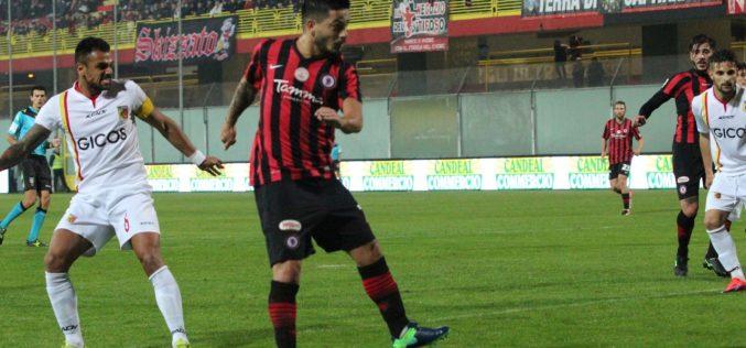 Il Foggia vince e torna in vetta. Match deciso dal gol di Sarno