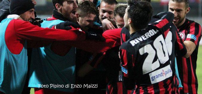 Calcio-mercato: il Foggia Calcio ridisegna la squadra. Nell'organico rossonero solo uomini convinti del progetto