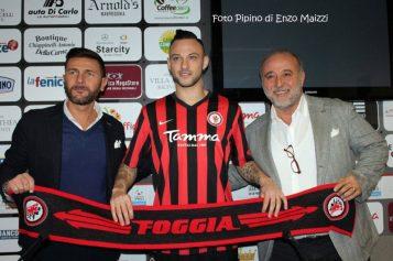 """Di Piazza si presenta: """"Da agosto pensavo al Foggia calcio"""""""