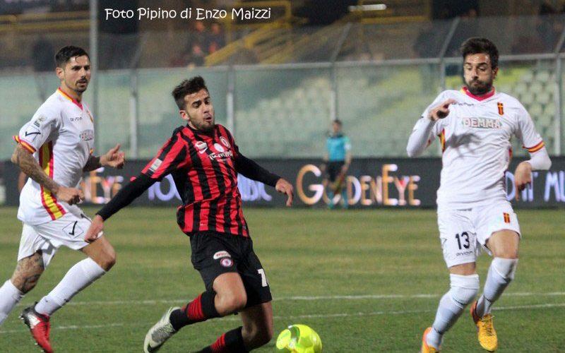 Bari, interesse per Francesco Deli