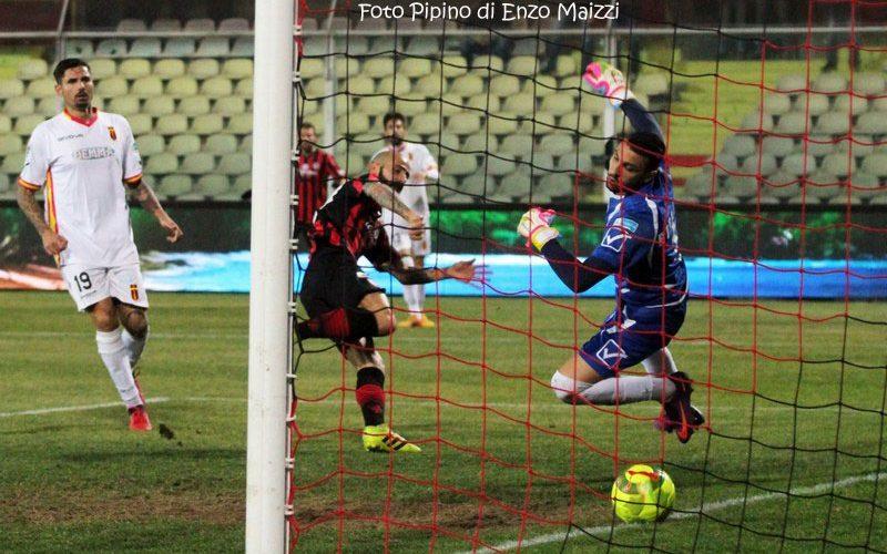 Serie B. Foggia-Pescara 0 1, Mancuso regala tre punti a Zeman