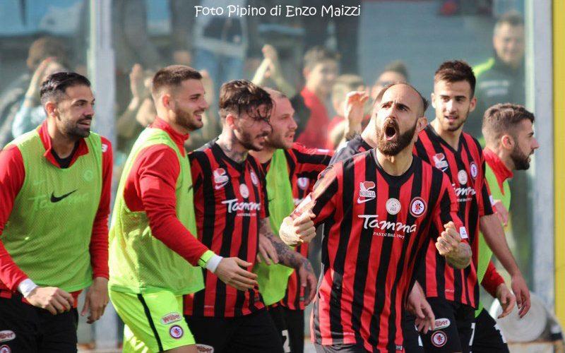 Foggia Calcio-Lecce, che duello in vetta. Lo sprint pugliese per la serie B