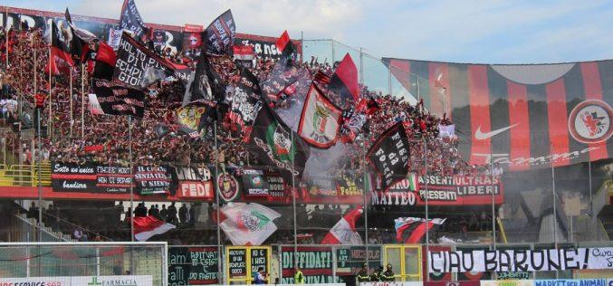 Foggia-Melfi 1 – 0 Il Foggia supera il Melfi e festeggia la B allo Zaccheria