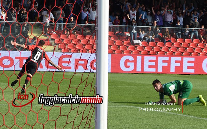 Foggia-Novara 2-2: l'arbitro e Troest beffano i padroni di casa