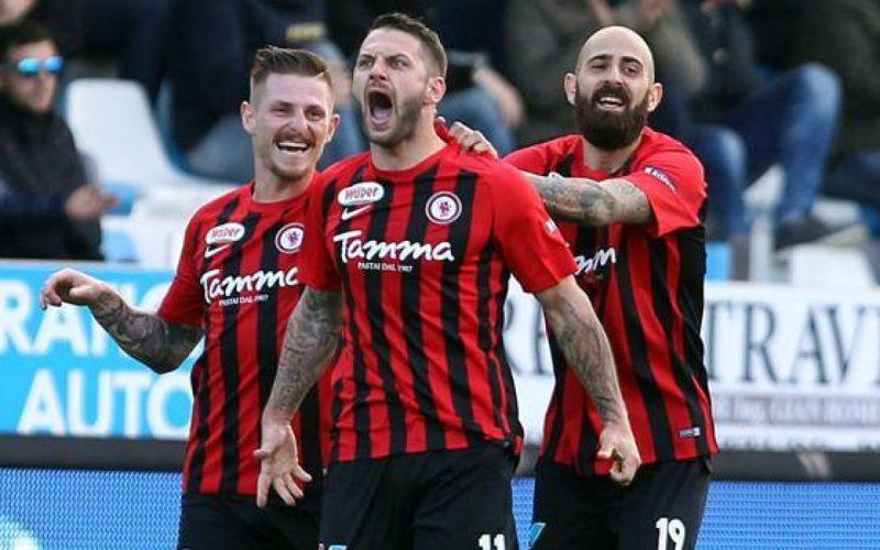 Serie B, Foggia salvo: la prossima stagione partirà da -15