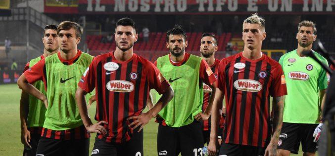 Pescara-Foggia 1-0: i rossoneri non concretizzano, i delfini li puniscono