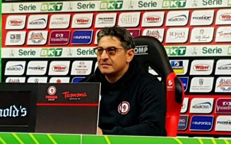 """Foggia, Padalino: """"Godiamoci la vittoria, è la cosa più importante"""""""