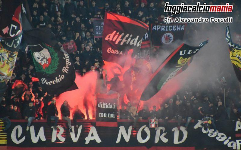 """Foggia Calcio, nota congiunta di Curva Sud e Curva Nord: """"Estranei a quanto successo, non è il nostro modo di fare"""""""