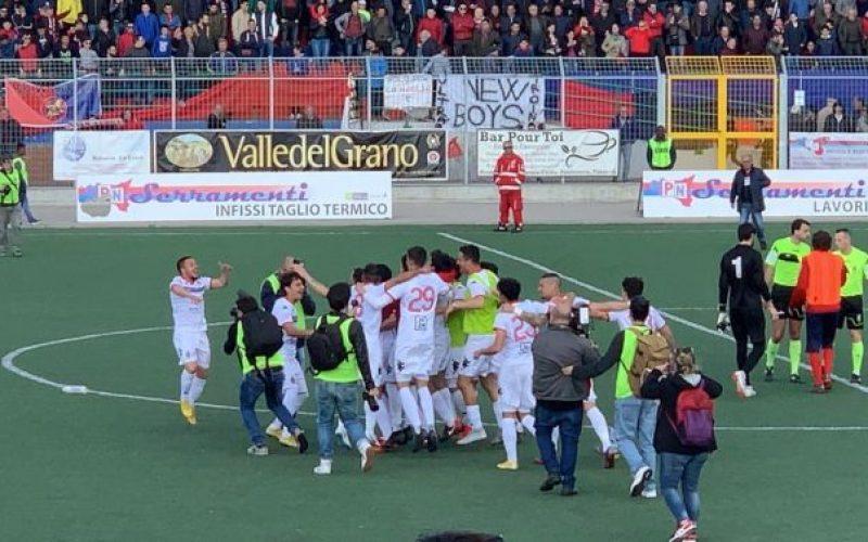 Il Bari promosso in Serie C: dopo il fallimento i biancorossi tornano tra i pro'