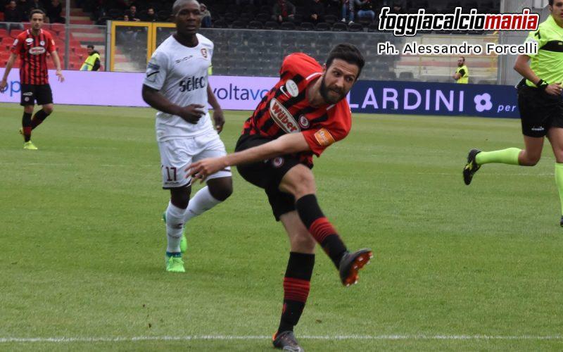 Il Foggia torna alla vittoria. 3-1 alla Salernitana, crisi granata