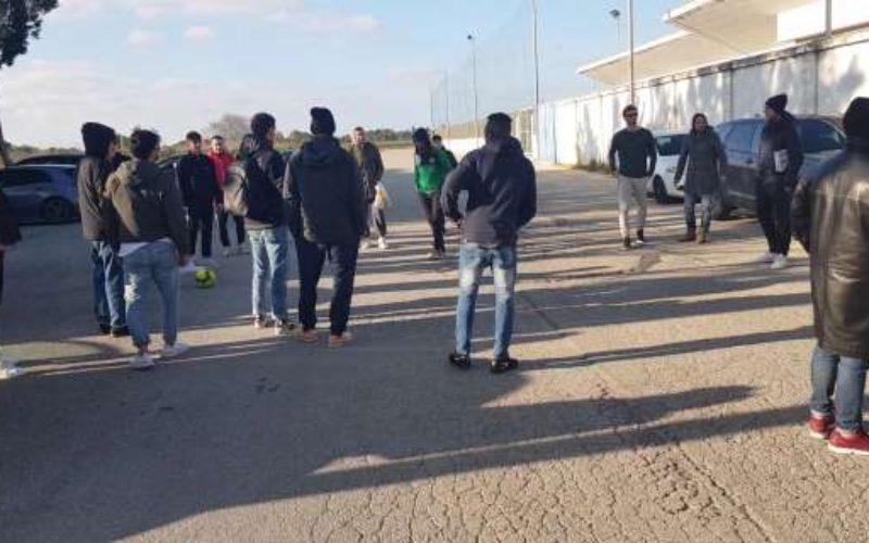 """Clamoroso Brindisi, la squadra trova lo Stadio """"Fanuzzi"""" chiuso: salta allenamento odierno"""