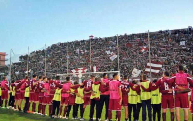 Anche la Reggina conosce la parola sconfitta: la Cavese vince 3-0 nell'anticipo del girone C
