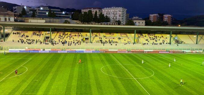 Il Foggia perde a Catanzaro 2-1. Un rigore di Curcio non serve a battere Evacuo (il Benjamin Button della Serie C)