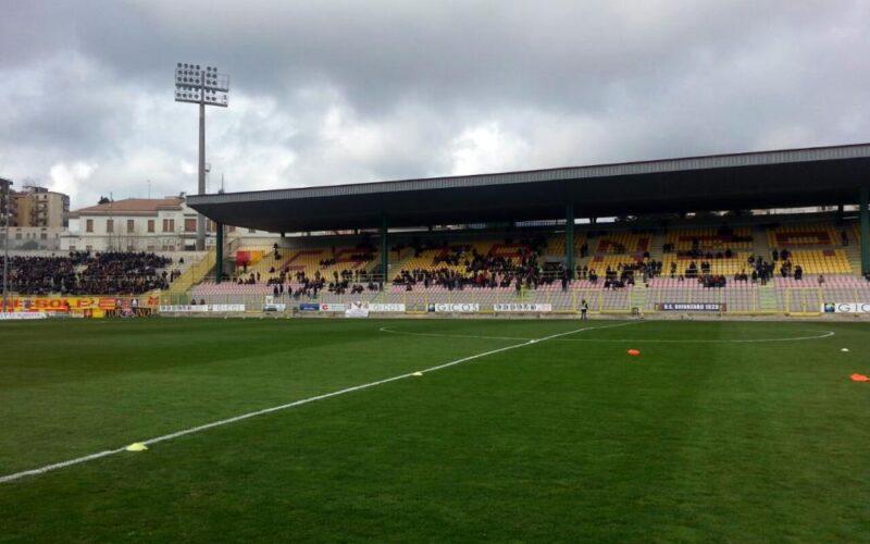 """QUI CATANZARO – Riapre il """"Ceravolo"""": mille spettatori per il Foggia"""