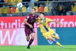 Tegola Casertana: lesione a crociato e menisco per Luca Matarese