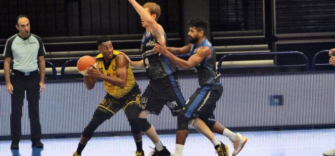 Brutto esordio per l'Allianz, la Benacquista 'vendica' la sconfitta in Supercoppa: vittoria su Neri per 64-49