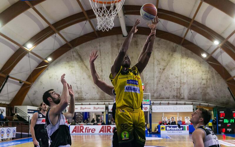 Ancora un'altra sconfitta per l'Allianz Pazienza. Sorride l'Atlante Eurobasket: 86 – 67