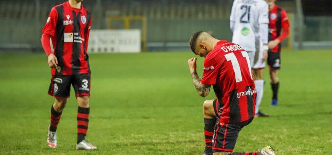 """Un Foggia sciupone batte 1-0 la Casertana. Il re del gol è Pippo """"Magic"""" D'Andrea"""