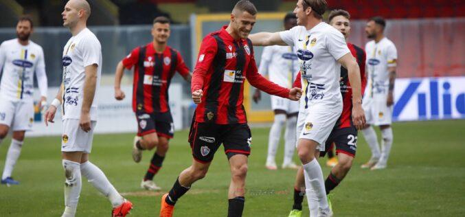 Apre Rocca, Baschirotto chiude. Foggia-Viterbese finisce 1-1