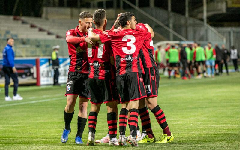 TFG SPORT – Ancora un calciatore positivo, salgano a tre gli indisponibili a Catania