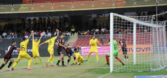 Il Foggia vince di rimonta: Martino, Merkaj e Rocca stendono il Messina 3-1